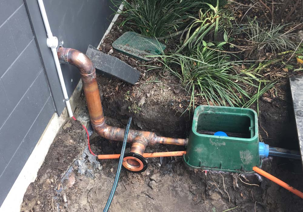 sunshine-coast-plumber-pumps-02